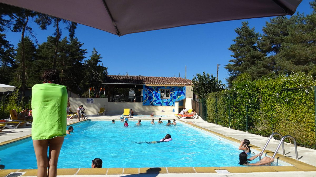 Camping dordogne avec piscine vacances camping avec for Camping sarthe avec piscine